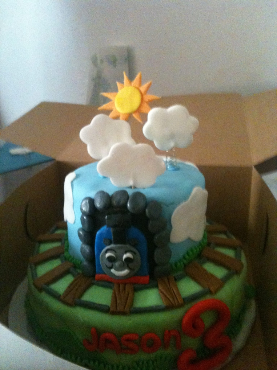 Tomas The Train on Cake Central