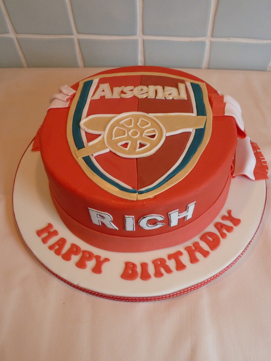 Arsenal Football Cake Cakecentral Com