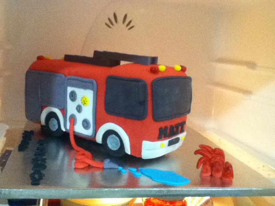 Fire Engine on Cake Central