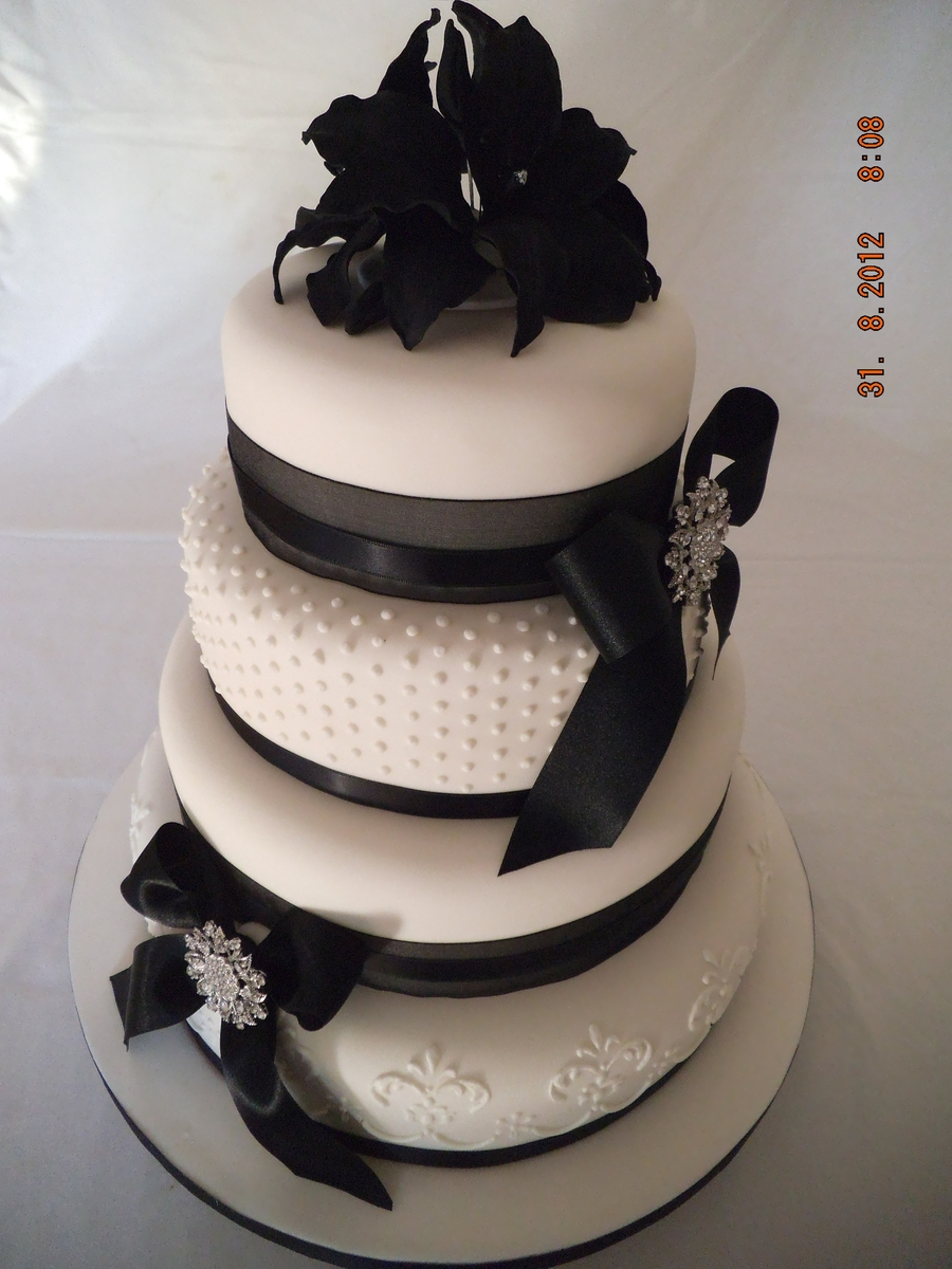 Black And White Diamonte Broach on Cake Central