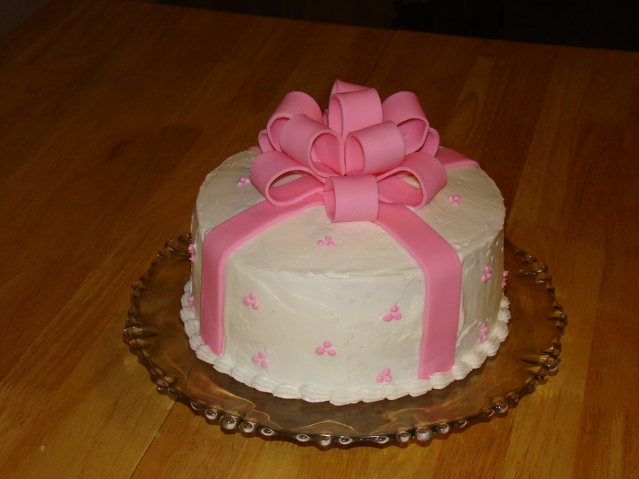 Strange Pink Bow Birthday Cake Cakecentral Com Personalised Birthday Cards Epsylily Jamesorg