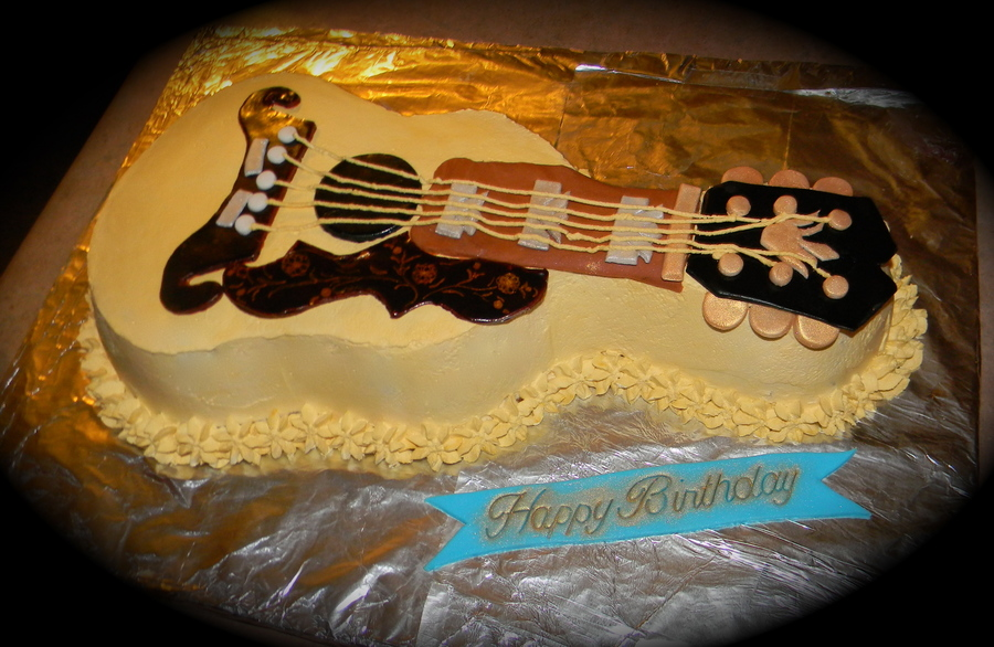 Gibson Birthday Guitar Cake on Cake Central