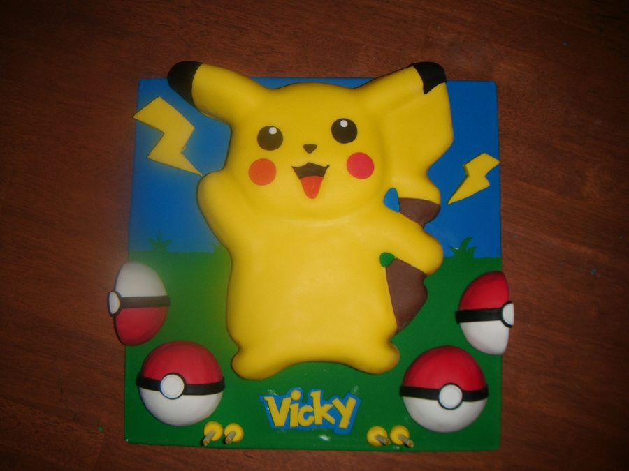 Images Of Pikachu Cakes
