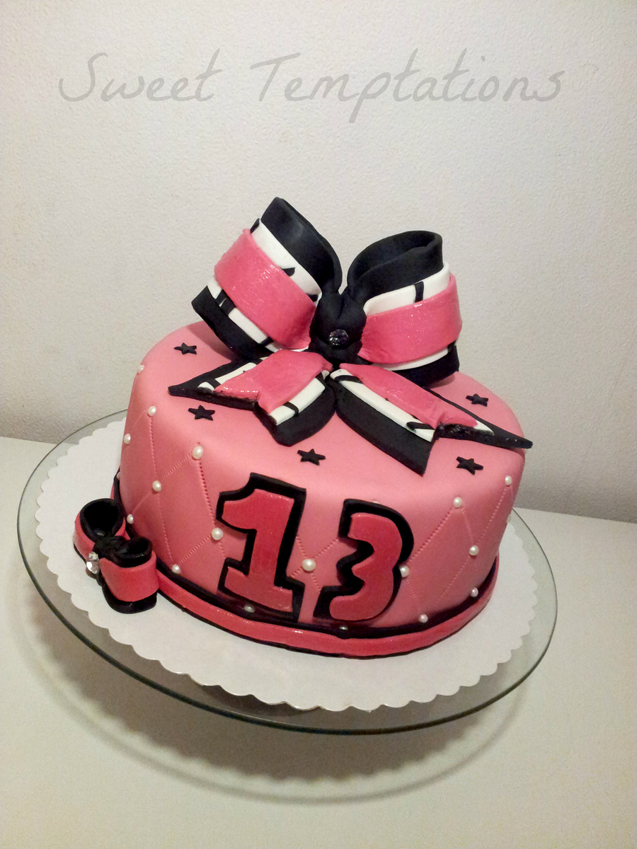 Cheerleader Bow Cake Cakecentral Com