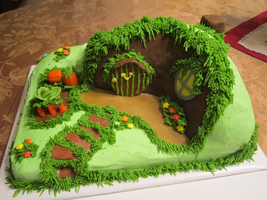 Hobbit House Cake  on Cake Central