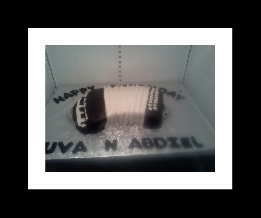 Accordian on Cake Central