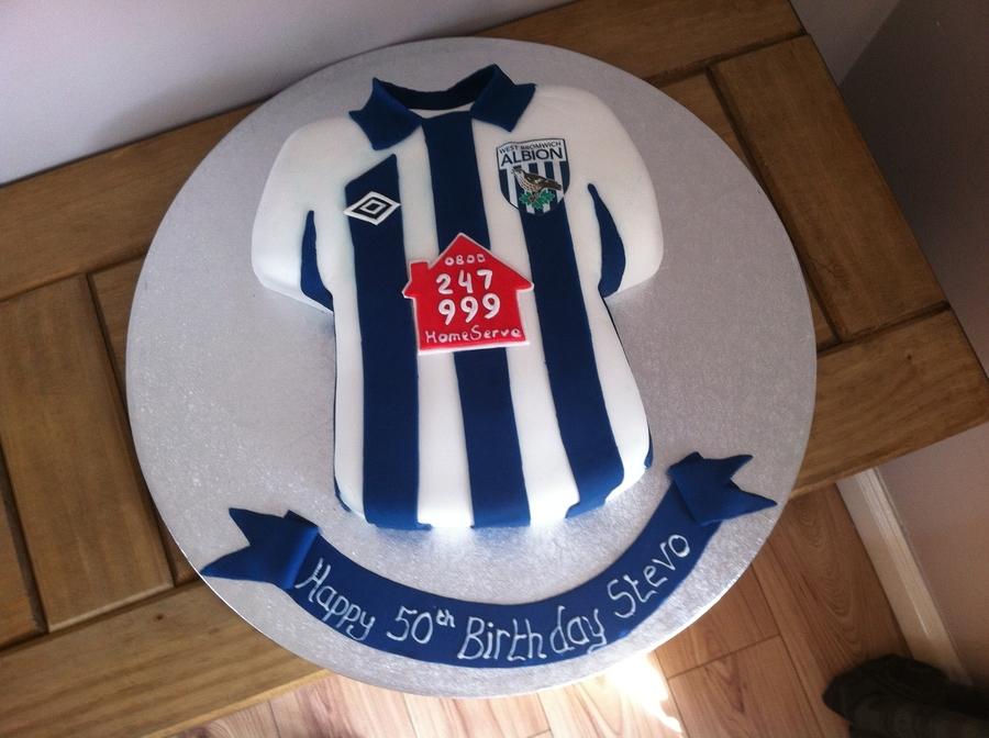 Decorating A Football Shirt Cake