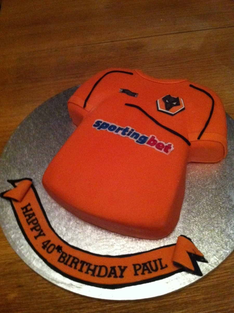 Wolverhampton Wanderers Shirt Cake on Cake Central