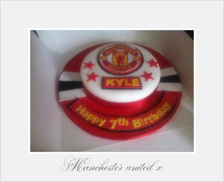 Manchester United Badge Cake on Cake Central