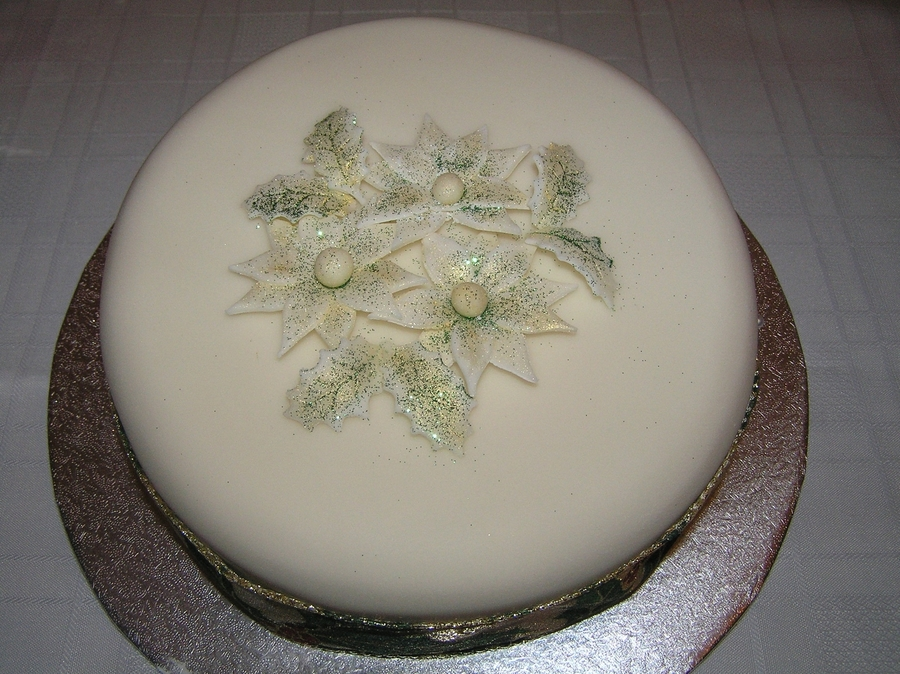 Christmas Poinsettia Cake on Cake Central