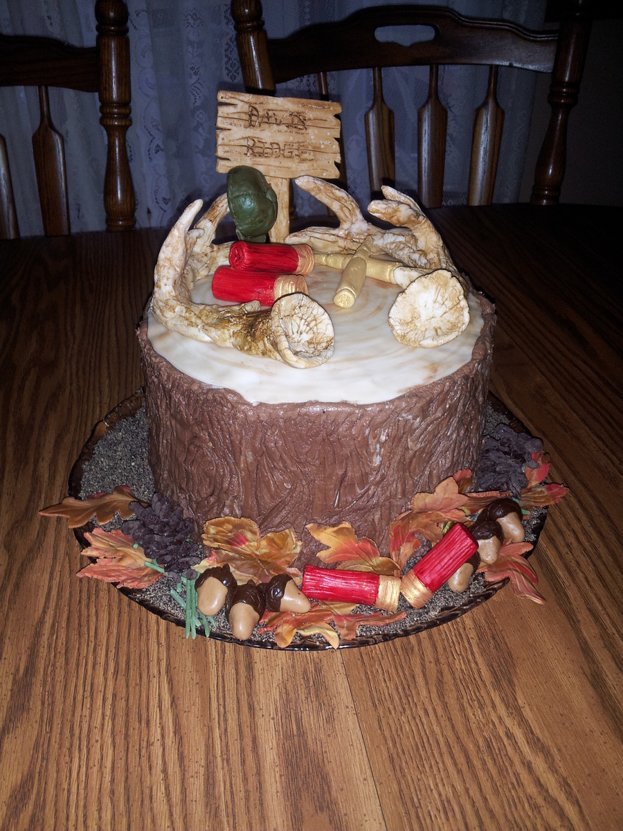 Tree Stump Hunting Cake on Cake Central
