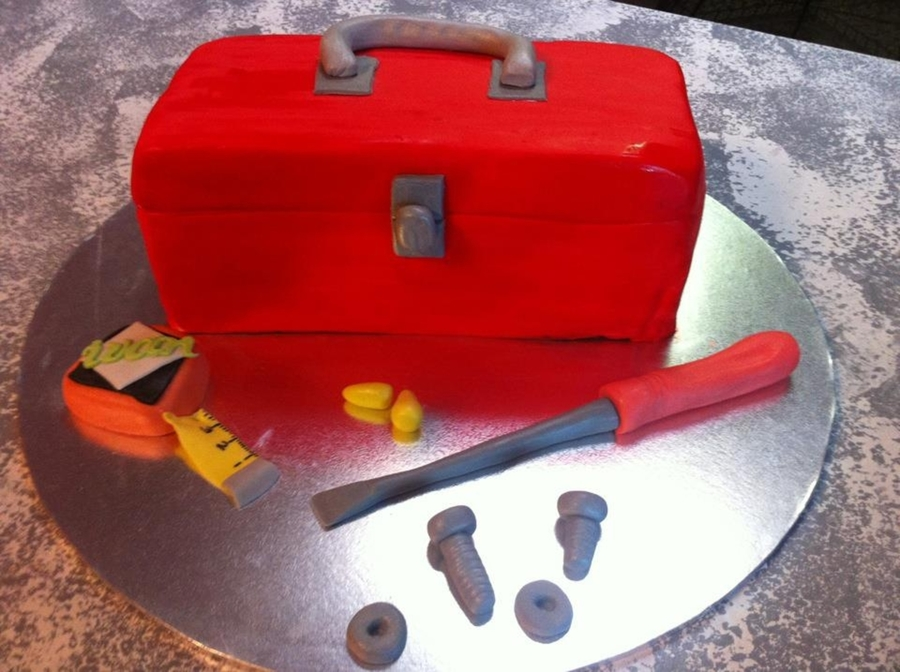 Toolbox Cake on Cake Central