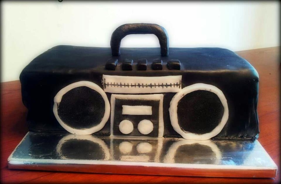 Boombox Cake on Cake Central