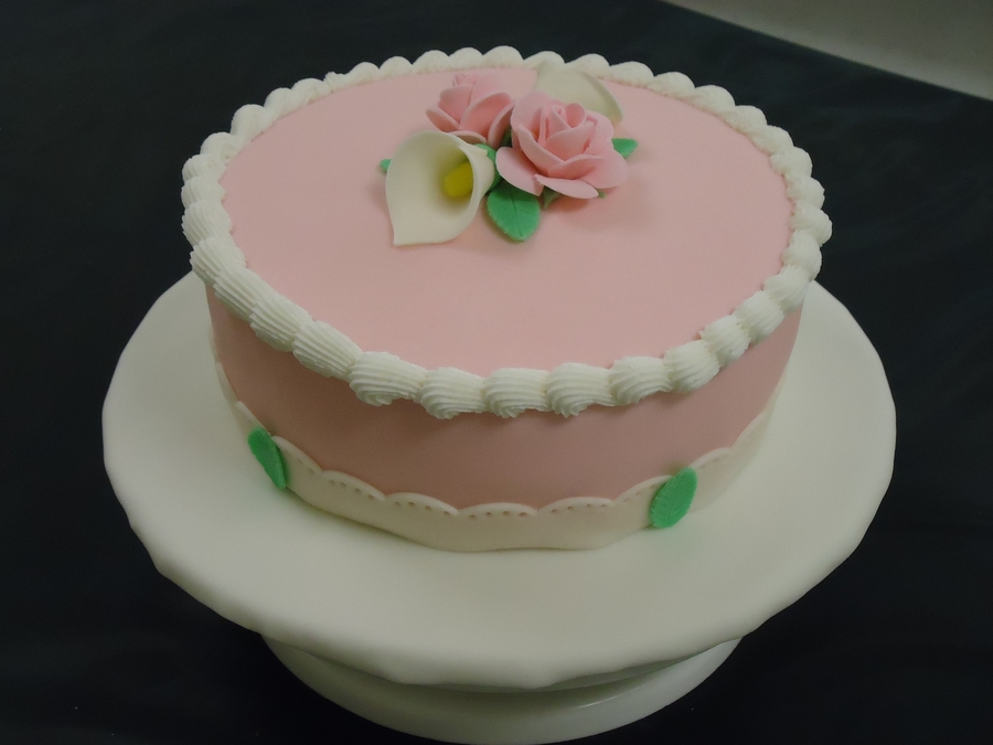 First Time Working With Fondant on Cake Central