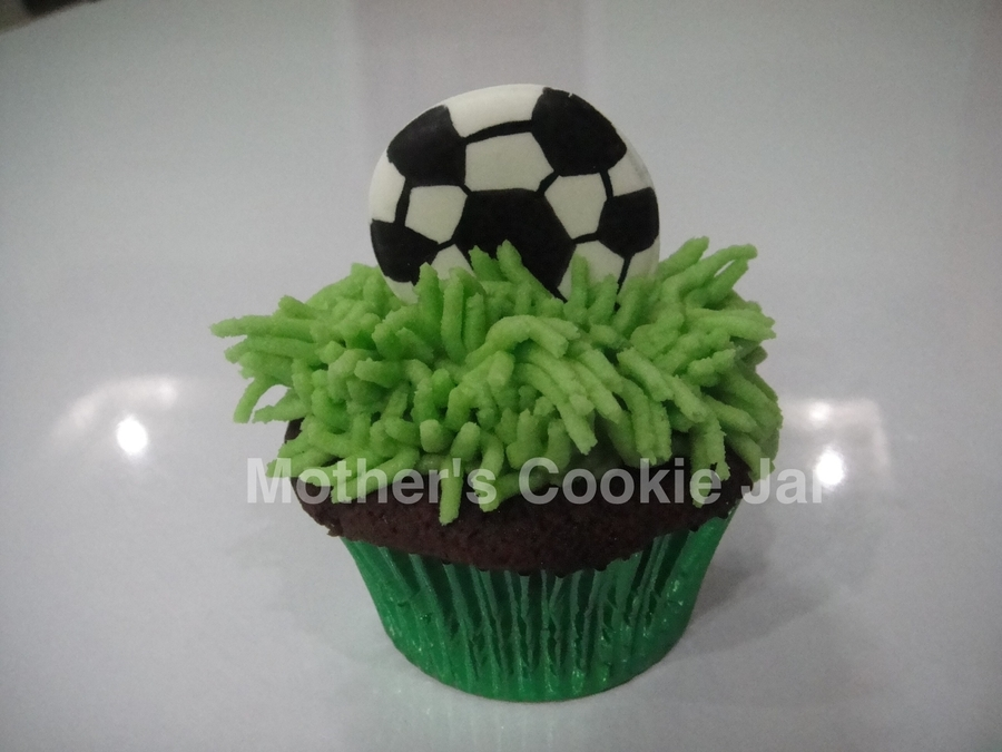 Soccer-Themed Cupcake on Cake Central