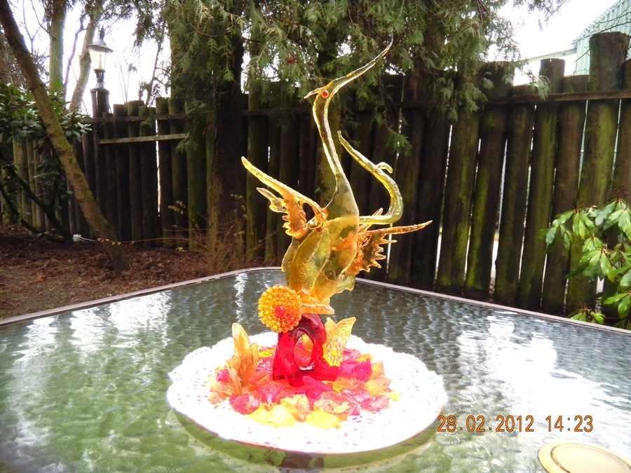 Isomalt Herons on Cake Central