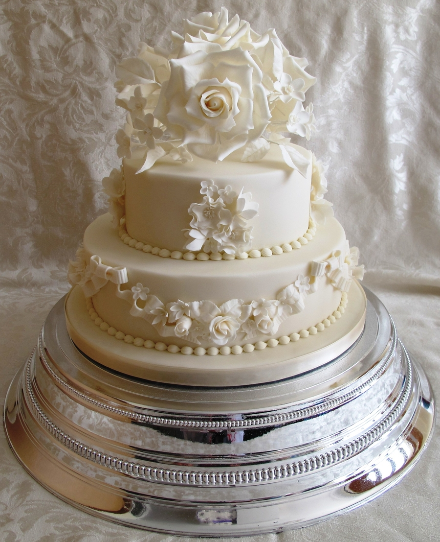 Vintage 2 Tier Wedding Cake
