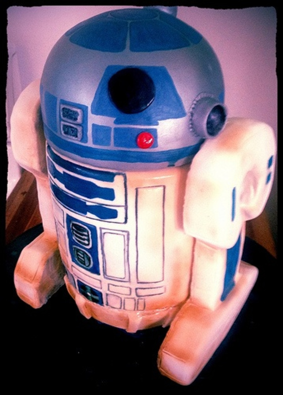 R2D2 Cake Cake Body And Head Rkt Arms Hand Painted  on Cake Central