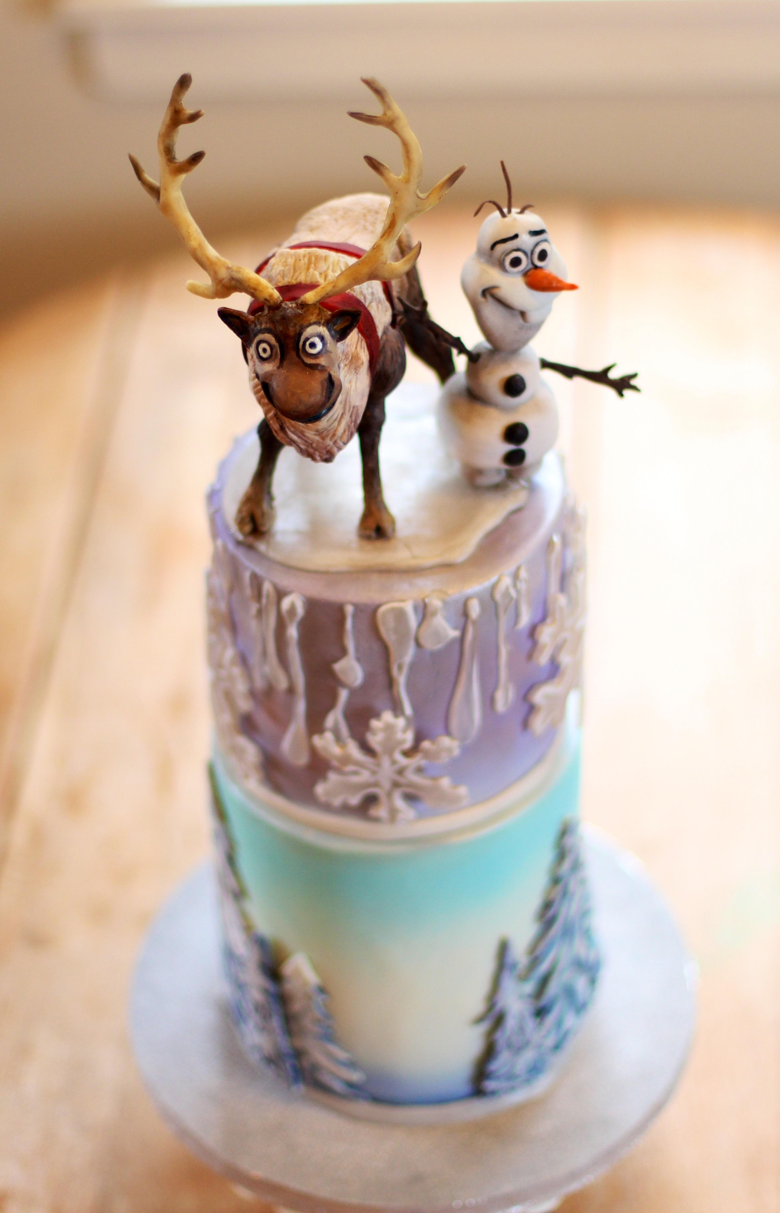 Disney Frozen Cake Modeling Chocolate Characters On Top Tier Sven ...