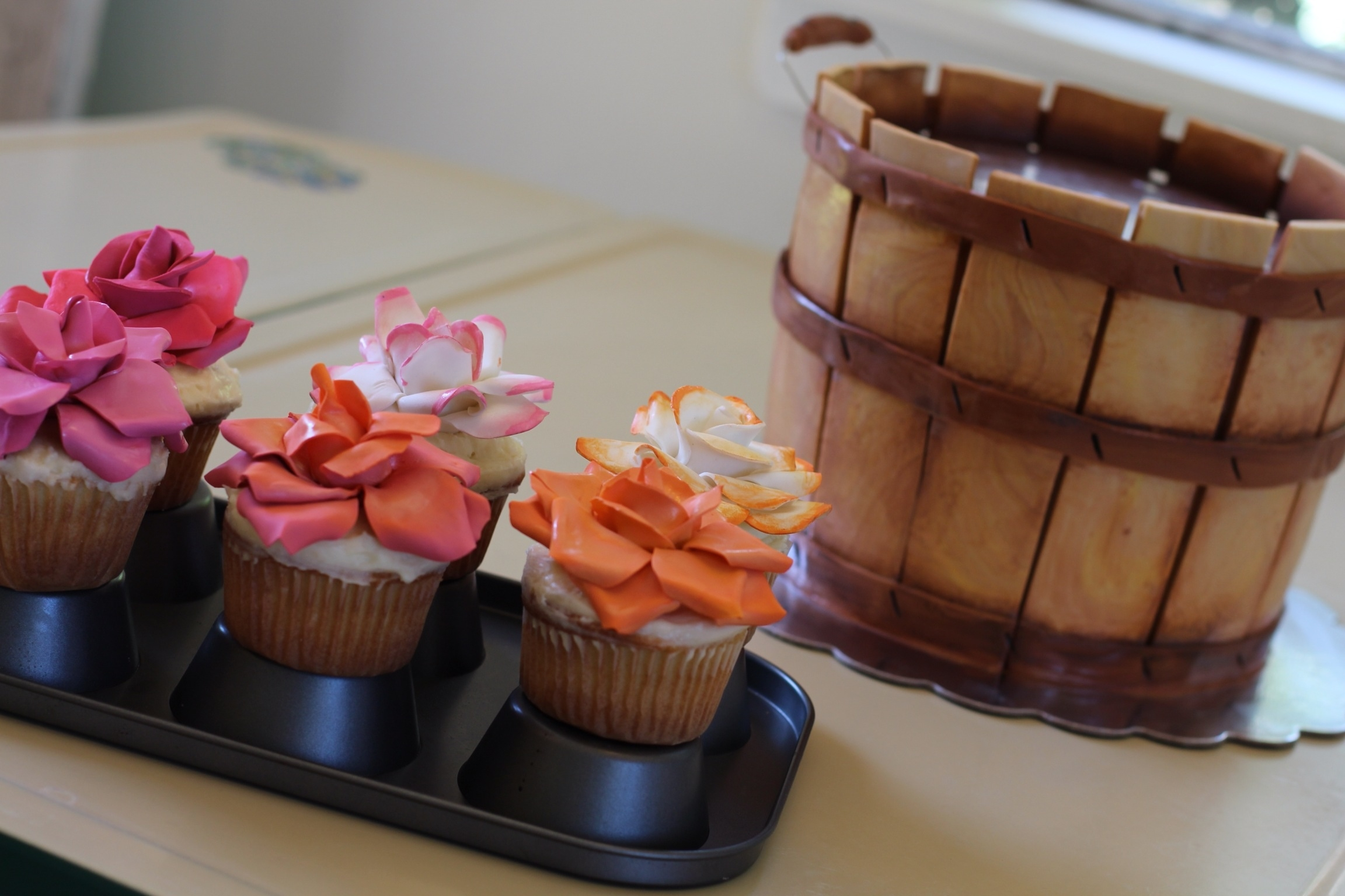Cake Art Flower Moulding Paste : Wooden Basket And Flower Cupcake Cake Modeling Chocolate ...