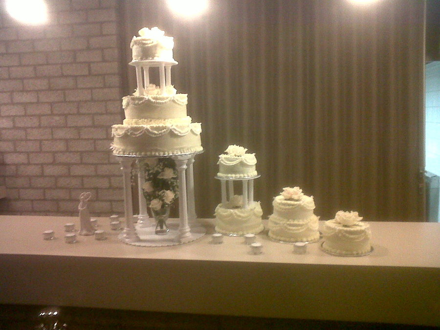Traditional Wedding Cake The Wedding Couple Didnt Wanted A Fountain Underneath on Cake Central