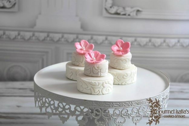 Two Tiered Wedding Cake Cookieseach Tier Consists Of Two Cookies