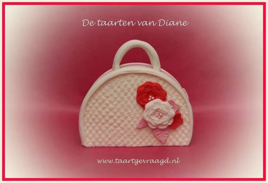 Knitted Handbag on Cake Central