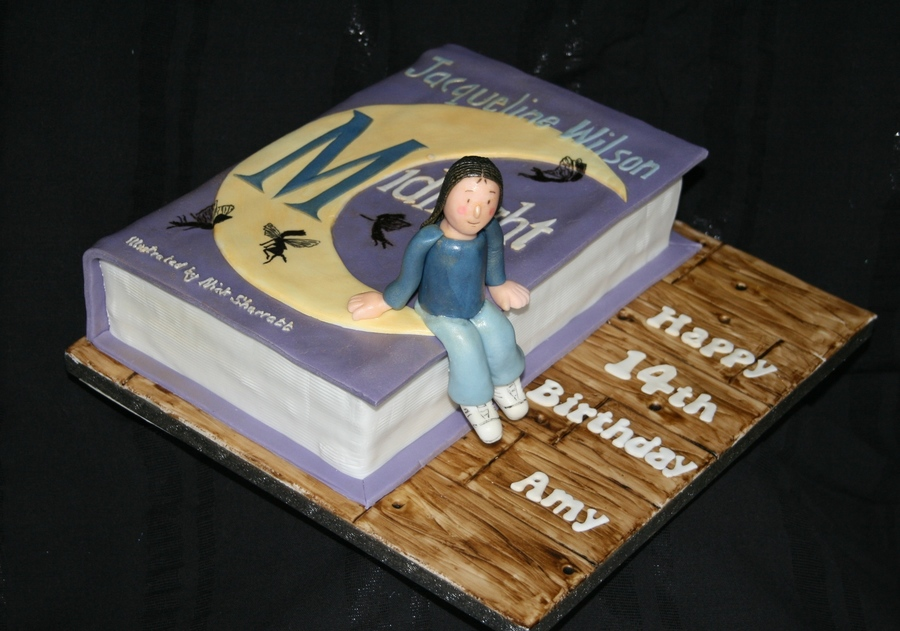 """Cake Of The Book """"midnight"""" By Jacqueline Wilson ..."""