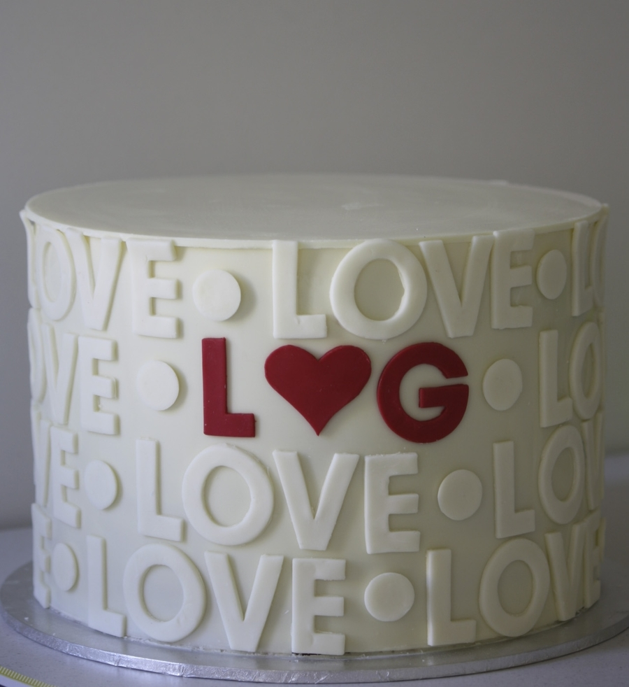 Love  on Cake Central