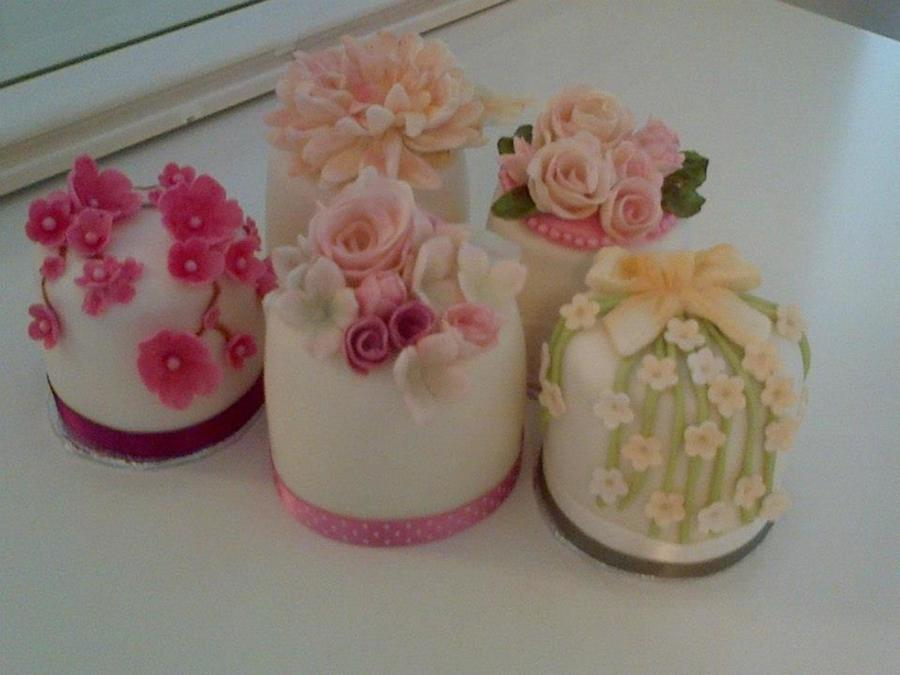 Mini Cakes For A Wedding Consultation on Cake Central