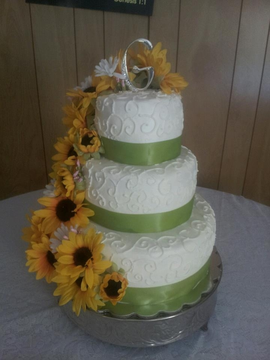 wedding cakes decorated with sunflowers sunflower wedding cake cakecentral 24161