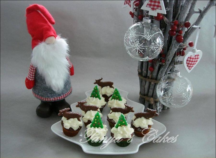Christmas Mini Cupcakes on Cake Central