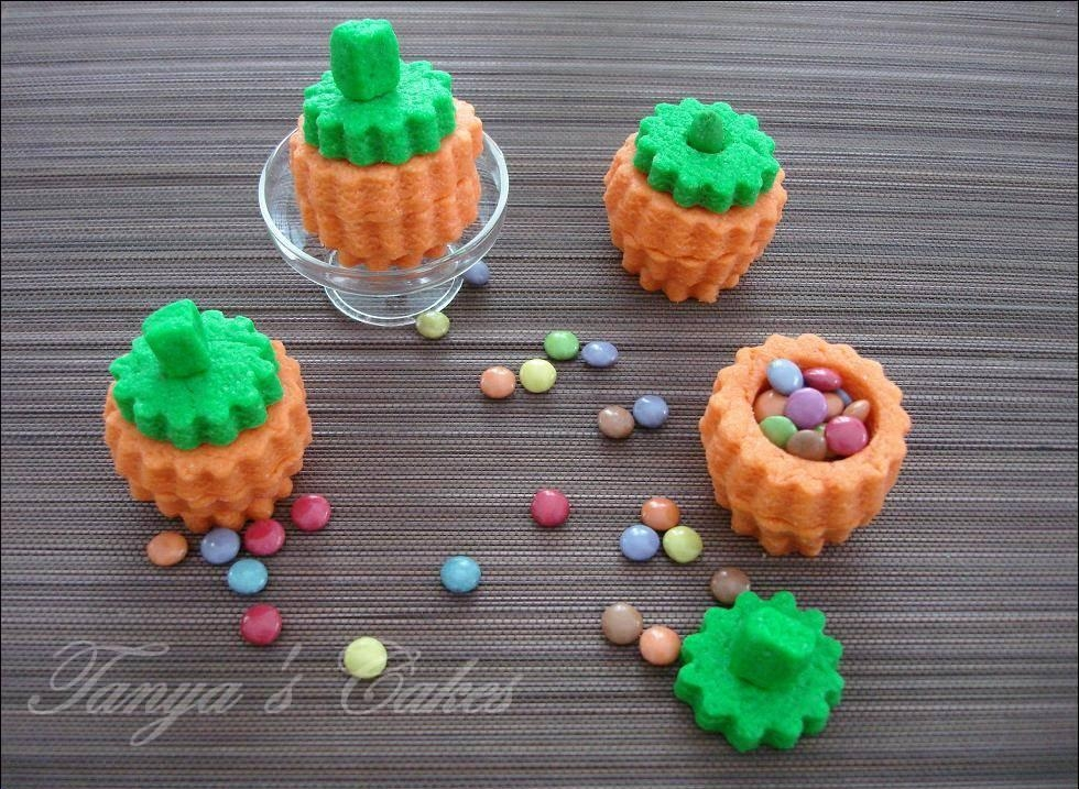 Small Pumpkins With Smarties on Cake Central