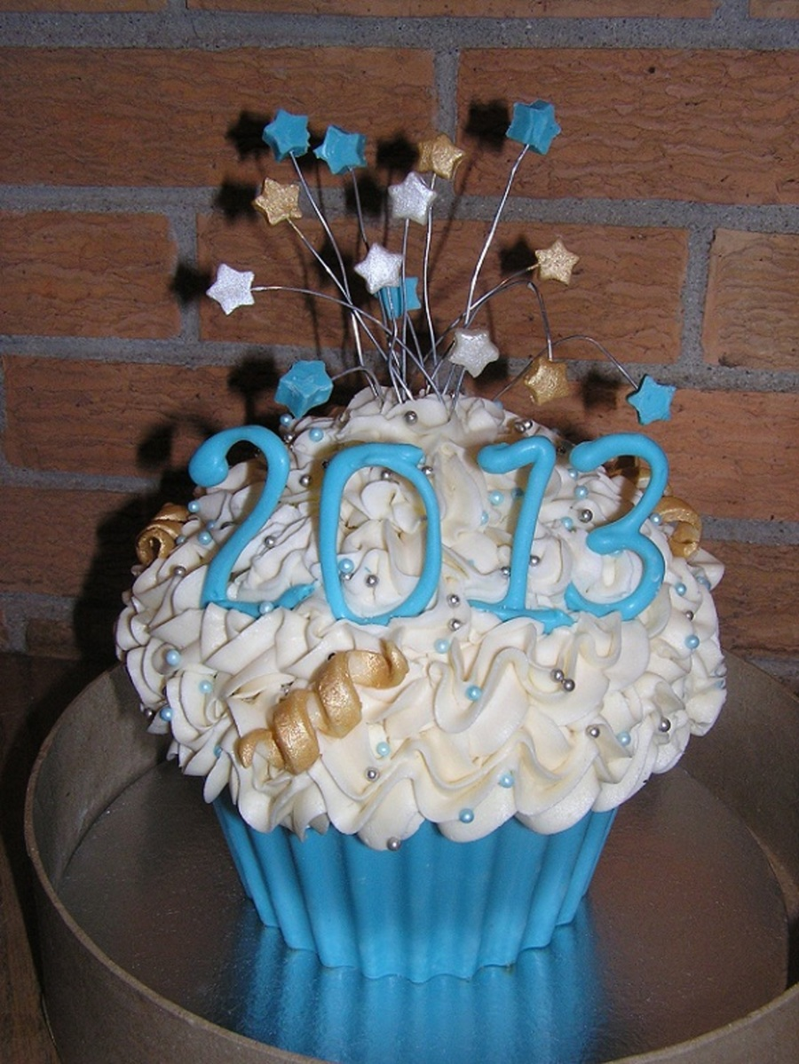 Giant Cupcake For New Years Eve First Attempt At Any Sort ...