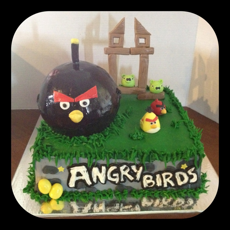 Angry Birds Cake With Black Bird Smash Cake on Cake Central