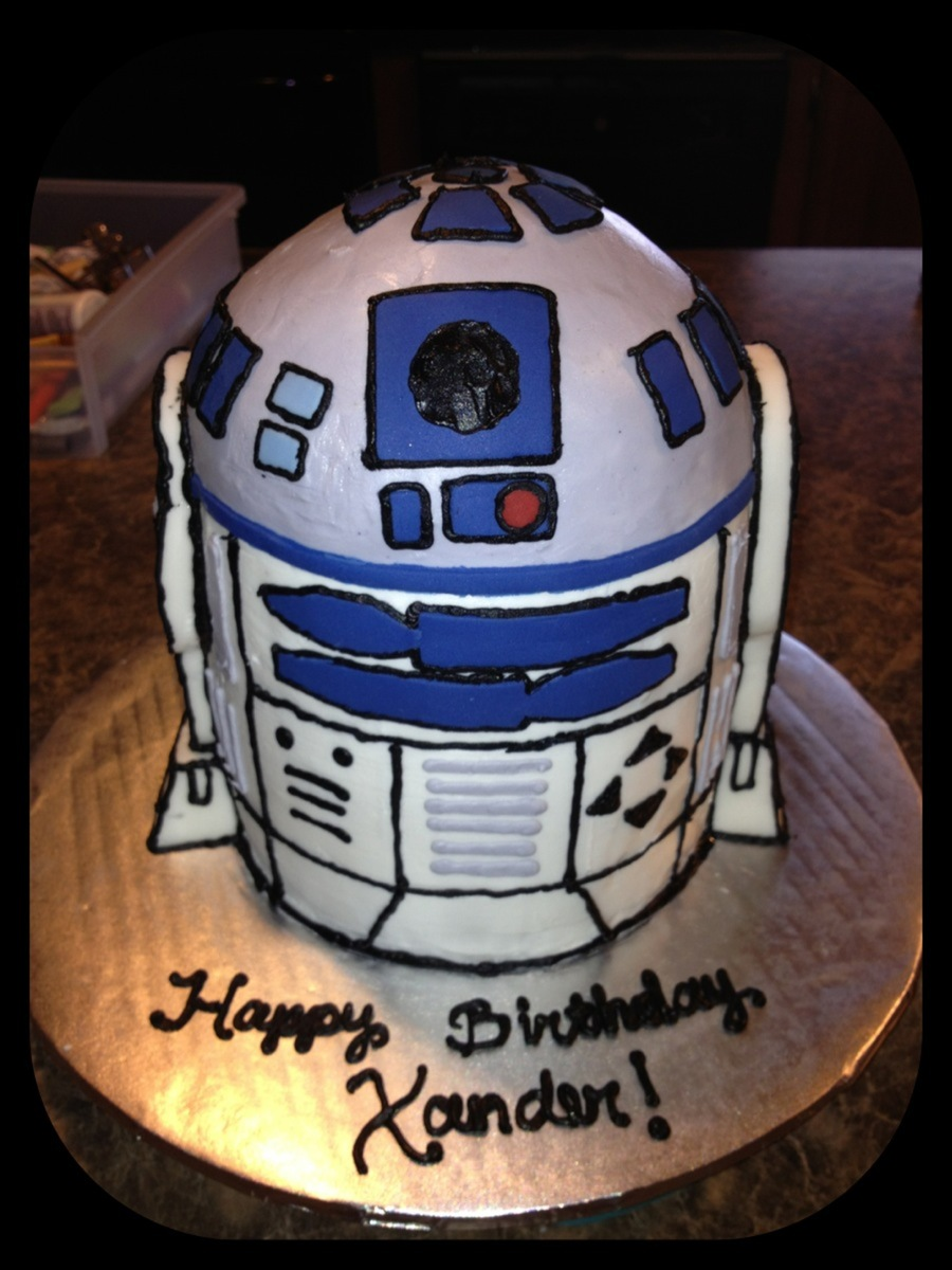 Star Wars R2D2 Cake on Cake Central