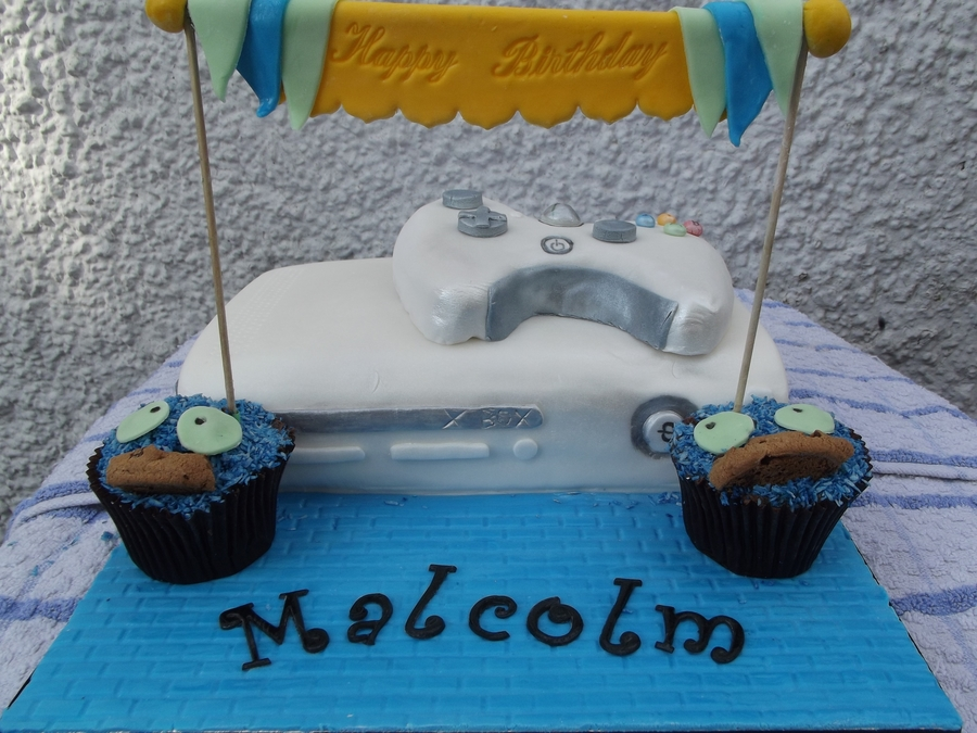 X Box & Cookie Monster on Cake Central