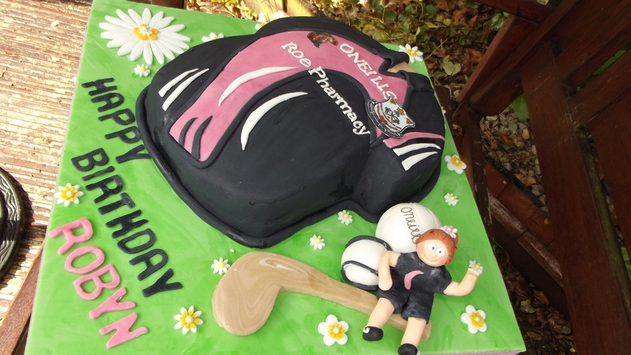 Camogie Cake on Cake Central