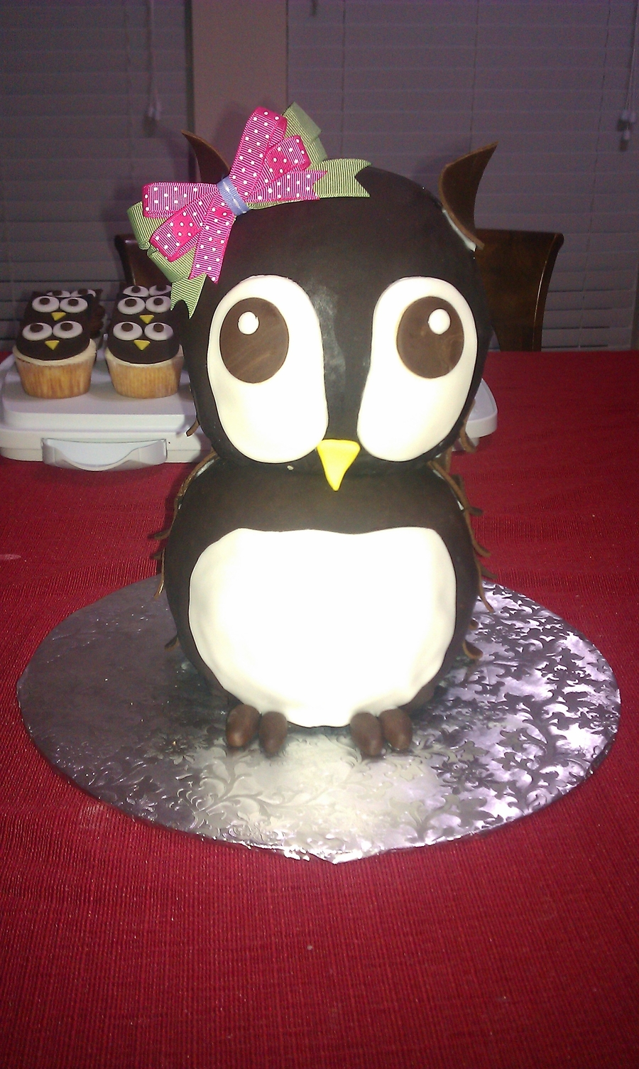 Brown Owl Cake on Cake Central
