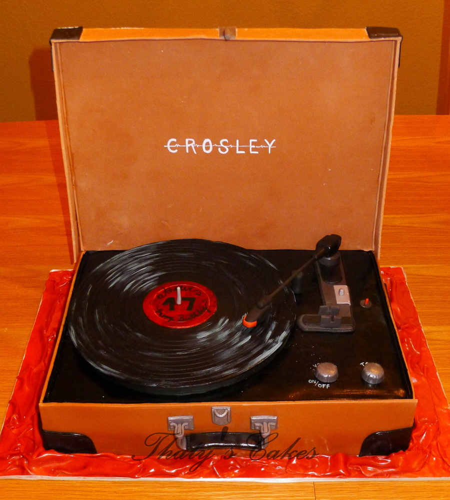 Vintage Turntable  on Cake Central