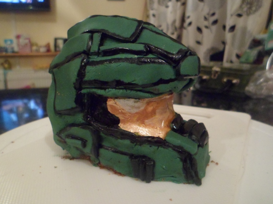 Halo Master Chiefs Helmet on Cake Central