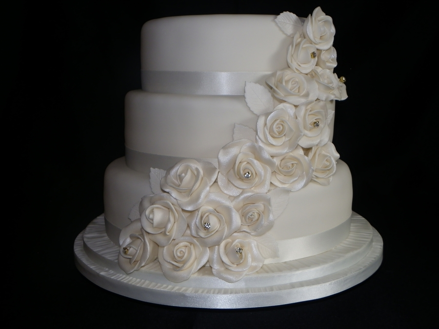 Cascading Roses  on Cake Central
