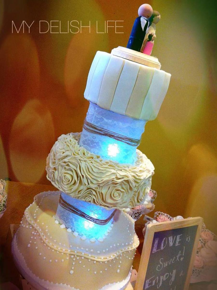 Vintage Rustic Inspired Wedding Cake 3 Tier Round Lighted Separators