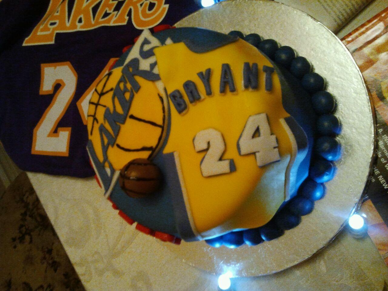 La Lakerskobe Bryant Cake Cakecentral Com