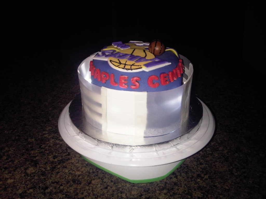 La Lakerskobe Bryant Cake - CakeCentral.com