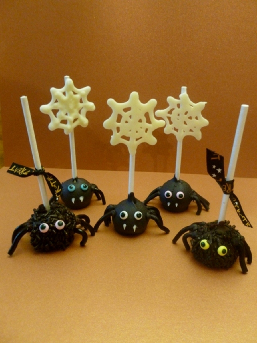 Spider Cake Pops!  on Cake Central