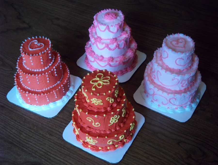 Mini Tier Cake Decorating