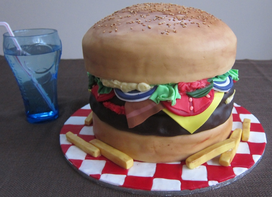 Hamburger Cake! on Cake Central