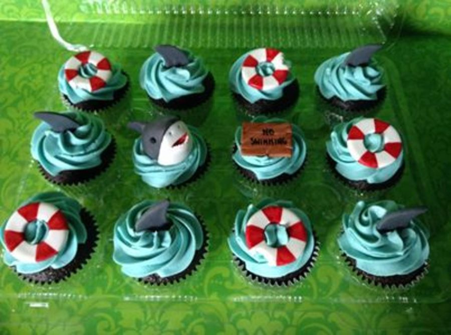 recipe: shark cupcake topper [19]