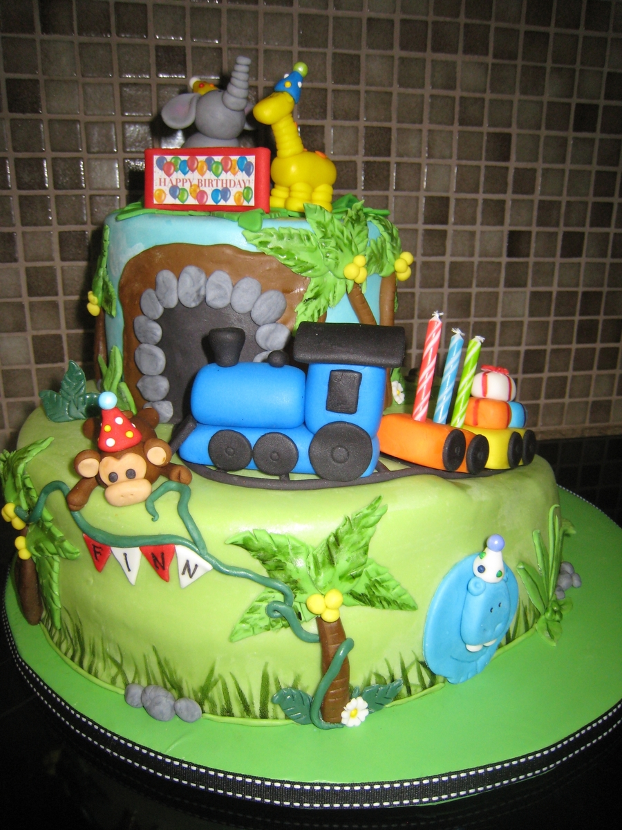 Safari/ Train  on Cake Central